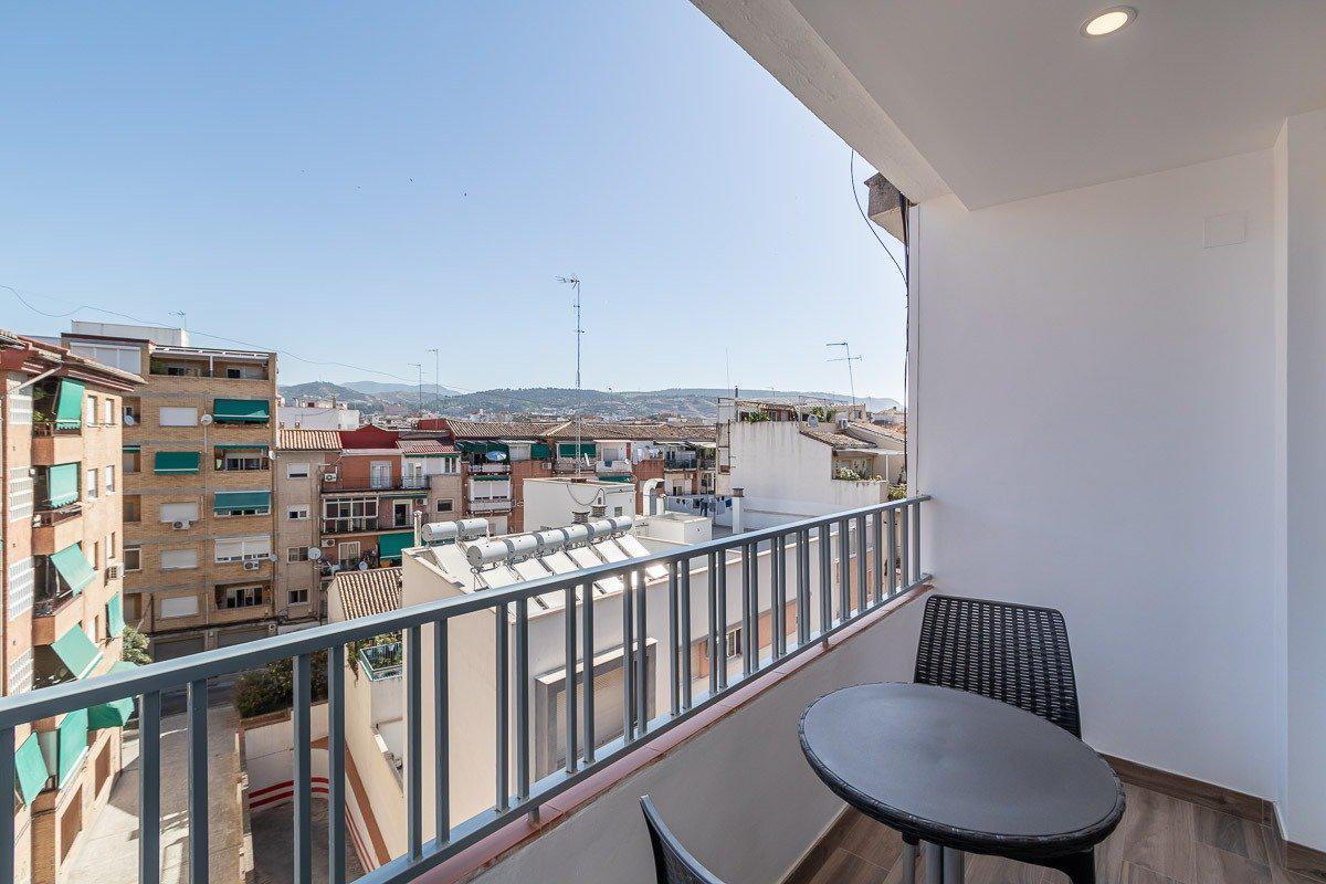 Imagen 3 Piso en venta en Granada / Cerca del Nuevo Campus de la Salud Pts