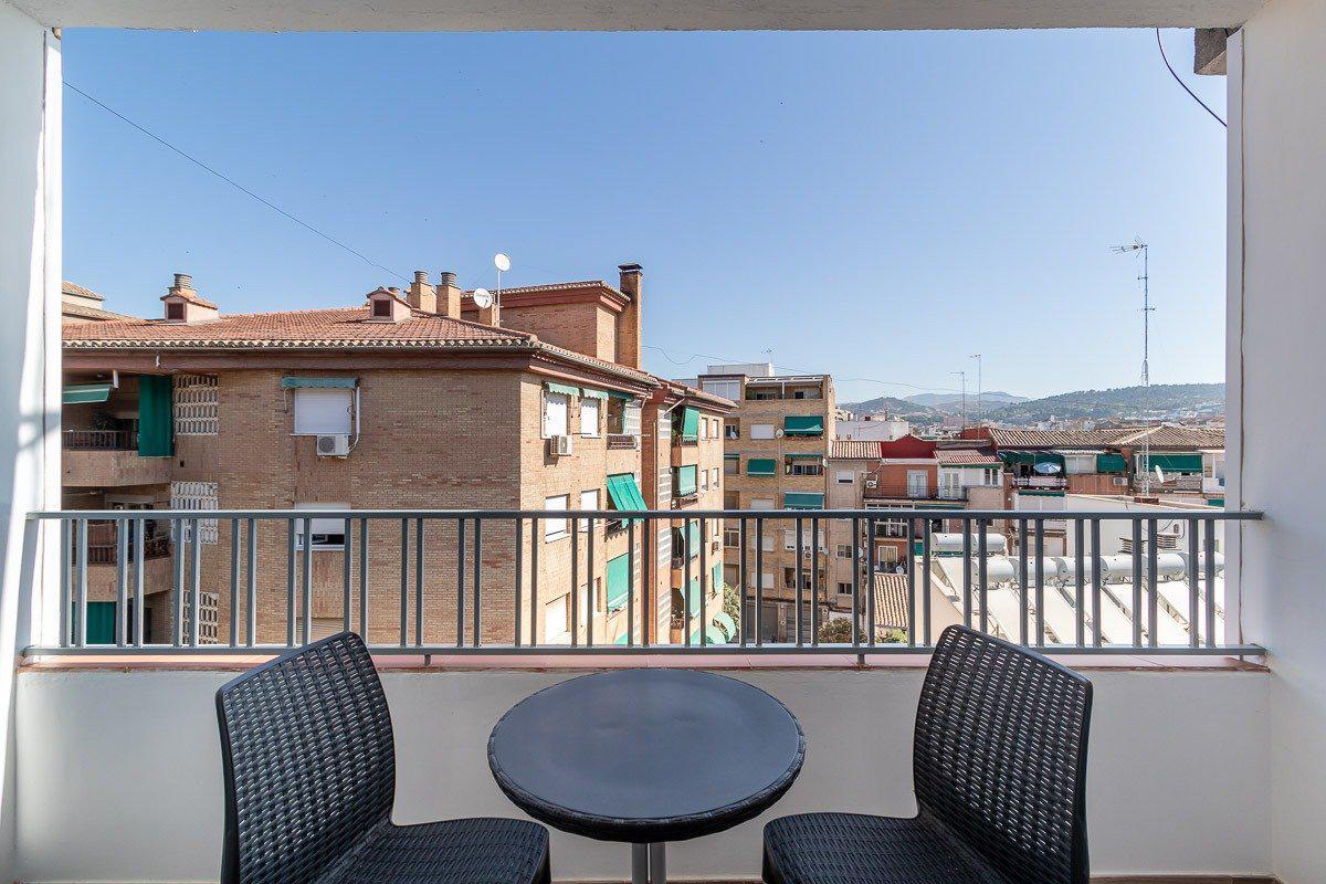 Imagen 4 Piso en venta en Granada / Cerca del Nuevo Campus de la Salud Pts