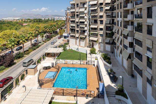 Imagen 1 Inmueble 252904 - Piso en venta en Granada / Zona Parque Almunia