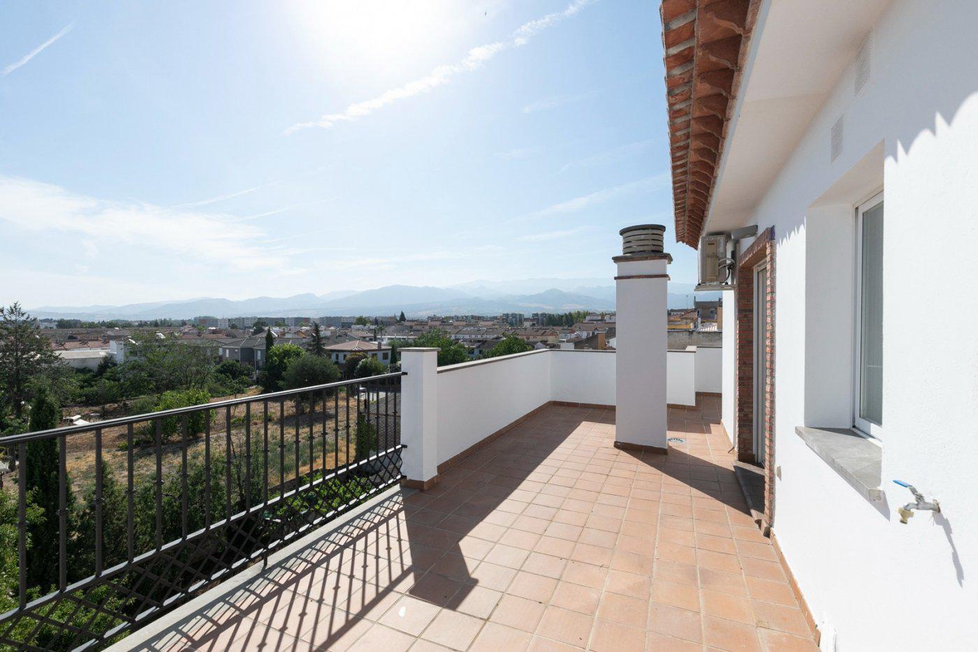 Imagen 2 Ático en venta en Alhendín / Junto al Ayuntamiento. Edificio Residencial Niza