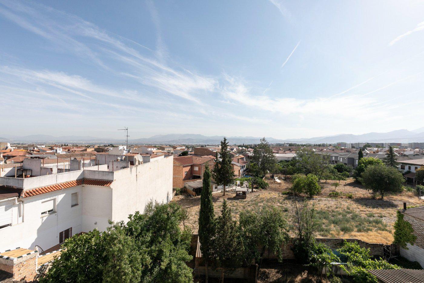 Imagen 3 Ático en venta en Alhendín / Junto al Ayuntamiento. Edificio Residencial Niza