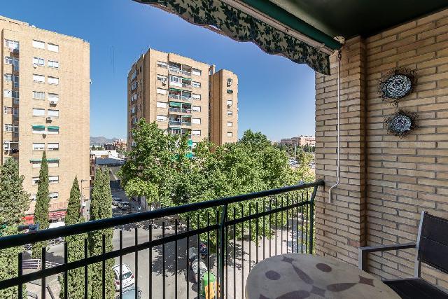 Imagen 1 Inmueble 253497 - Piso en venta en Granada / Cerca a Villarejo y Parque Almunia