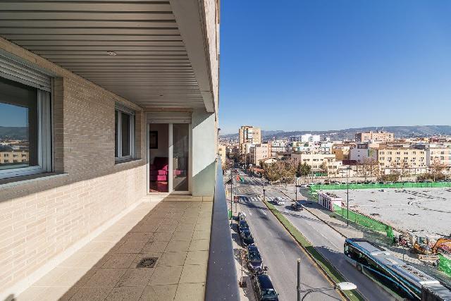 Imagen 1 Inmueble 253601 - Piso en venta en Granada / Cerca del Pts - Campus de la Salud