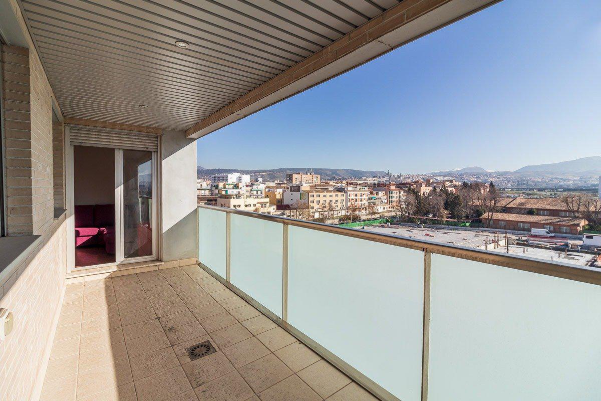 Imagen 3 Piso en venta en Granada / Cerca del Pts - Campus de la Salud