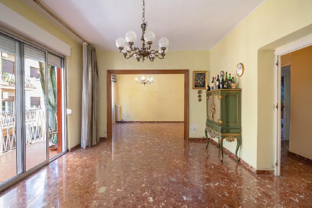 Imagen 1 Inmueble 253654 - Piso en venta en Granada / Junto al Hotel Center y Facultad de Ciencias