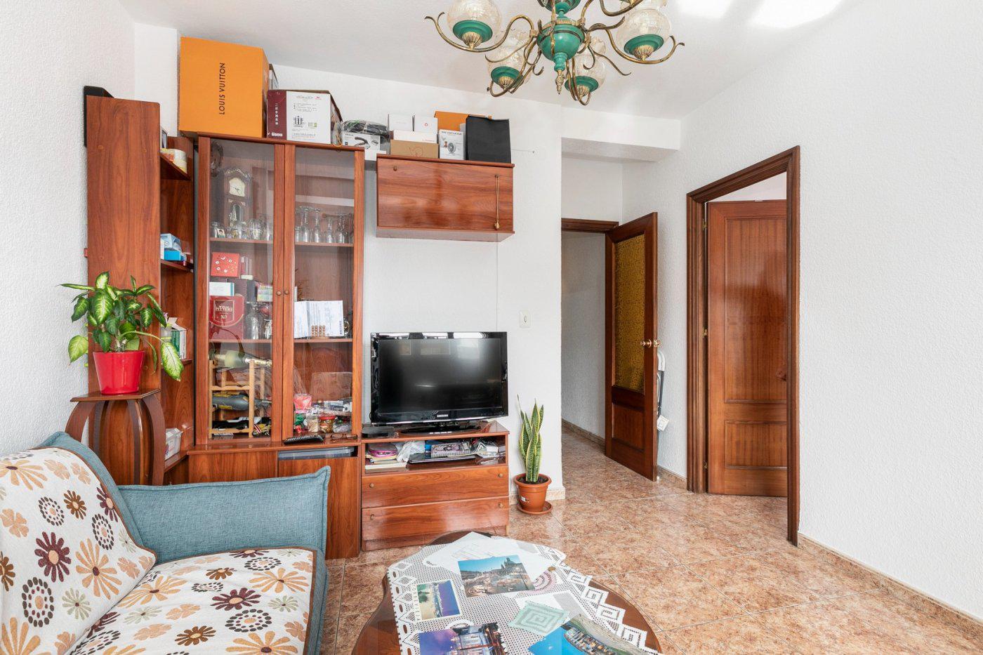 Imagen 3 Piso en venta en Granada / Frente a gimnasio Yo10