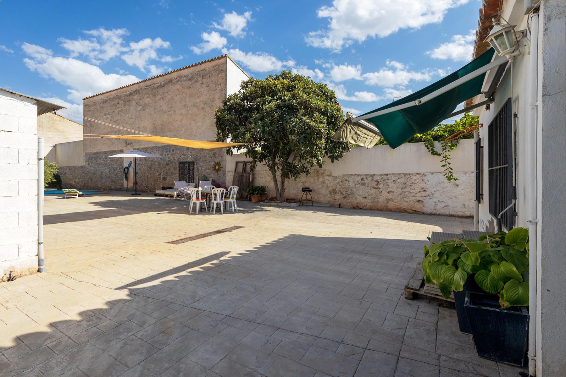 Imagen 2 Casa Aislada en venta en Albolote / Parque del Chaparral, junto cafetería S.Ildefonso