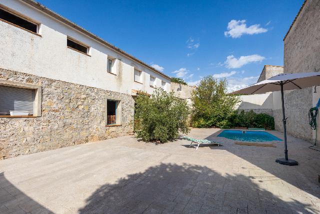 Imagen 1 Inmueble 253890 - Casa Aislada en venta en Albolote / Parque del Chaparral, junto cafetería S.Ildefonso