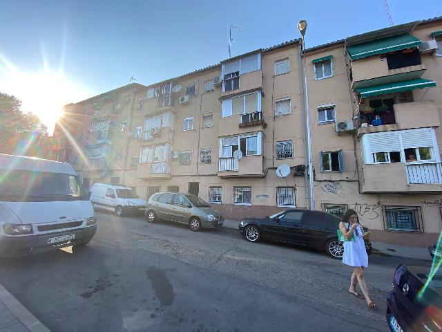 Imagen 1 Inmueble 252479 - Apartamento en venta en Madrid / Metro de San Francisco, Avenida de los poblados -