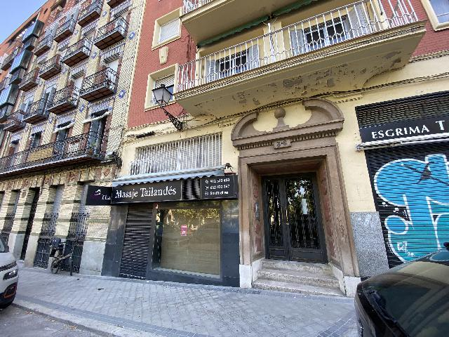Imagen 1 Inmueble 254182 - Local Comercial en venta en Madrid / Basílica de San Francisco el Grande.