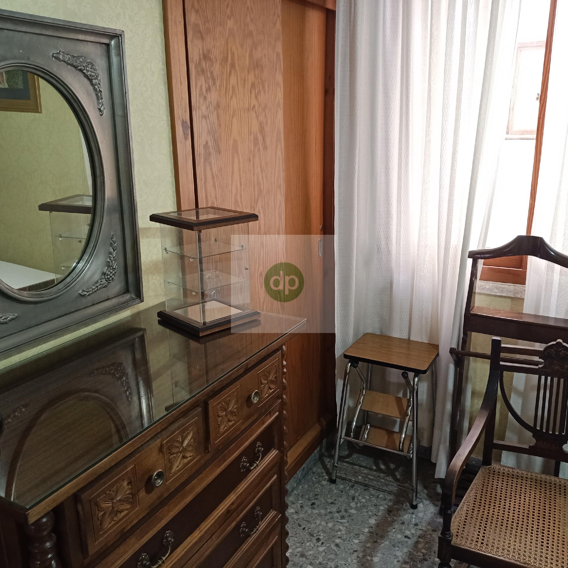 Imagen 4 Piso en venta en Badajoz / Plaza de Alféreces Provisionales
