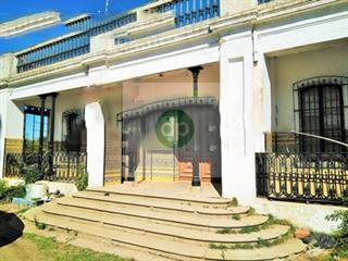 Imagen 1 Casa Aislada en venta en Badajoz / Camino Viejo de Santa Engracia
