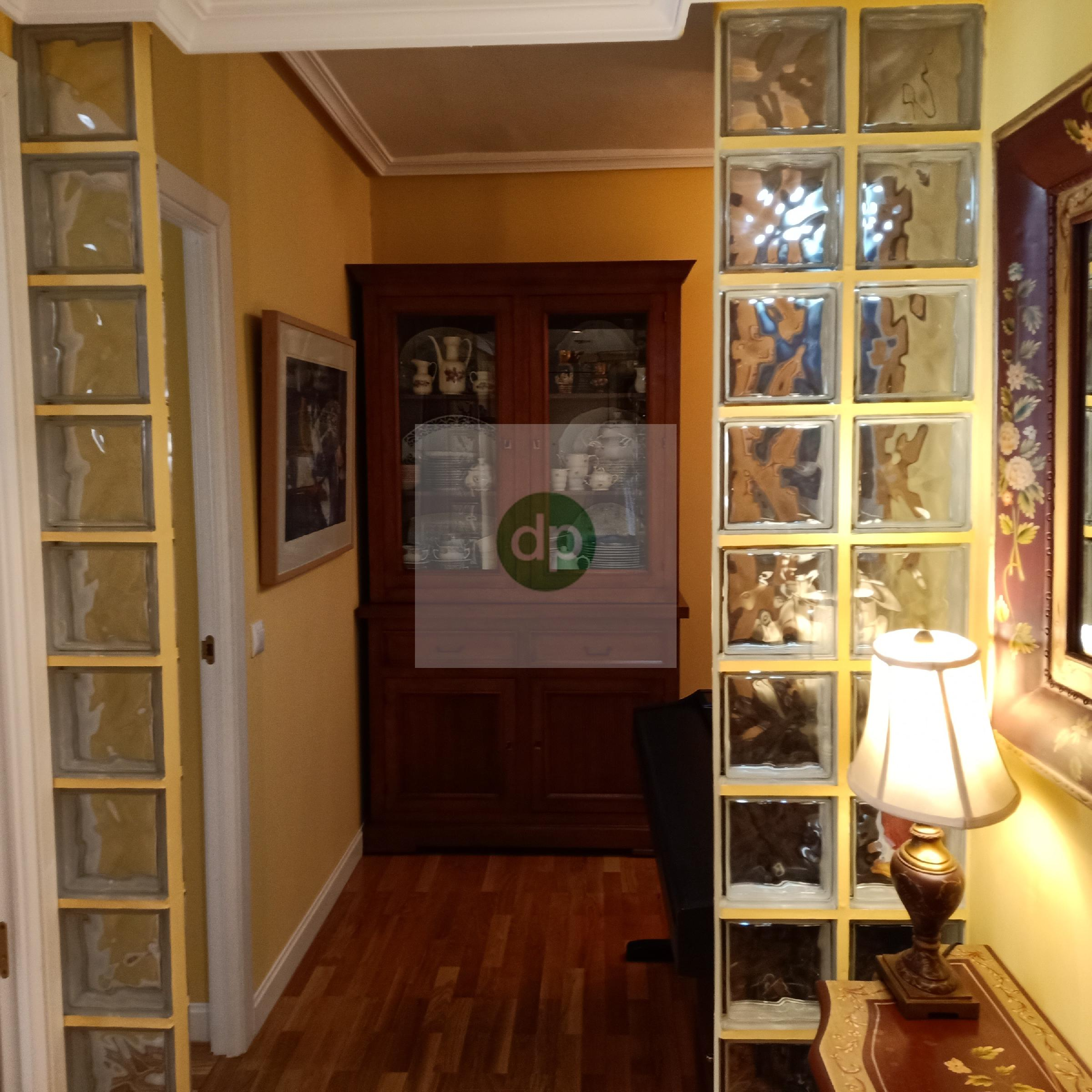 Imagen 2 Piso en venta en Badajoz / Junto al Parque de Castelar y el Hotel Zurbarán.