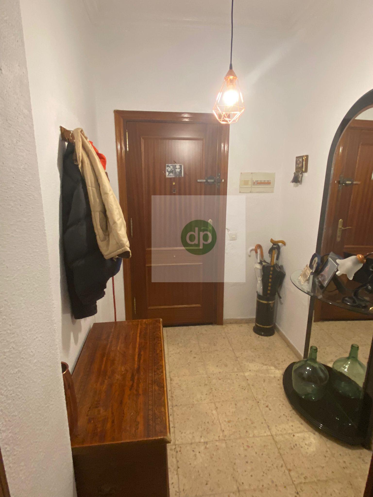 Imagen 2 Piso en venta en Badajoz / San Roque - La Picuriña. En plena avenida.