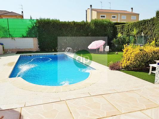 Imagen 1 Casa Pareada en venta en Badajoz / Ctra de Elvas - Zona Academia de Policía.- El Faro.