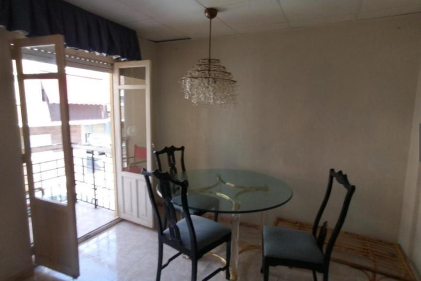 Imagen 4 Apartamento en venta en Elda / Zona entre Avenida de Madrid; Acacias y calle Murillo