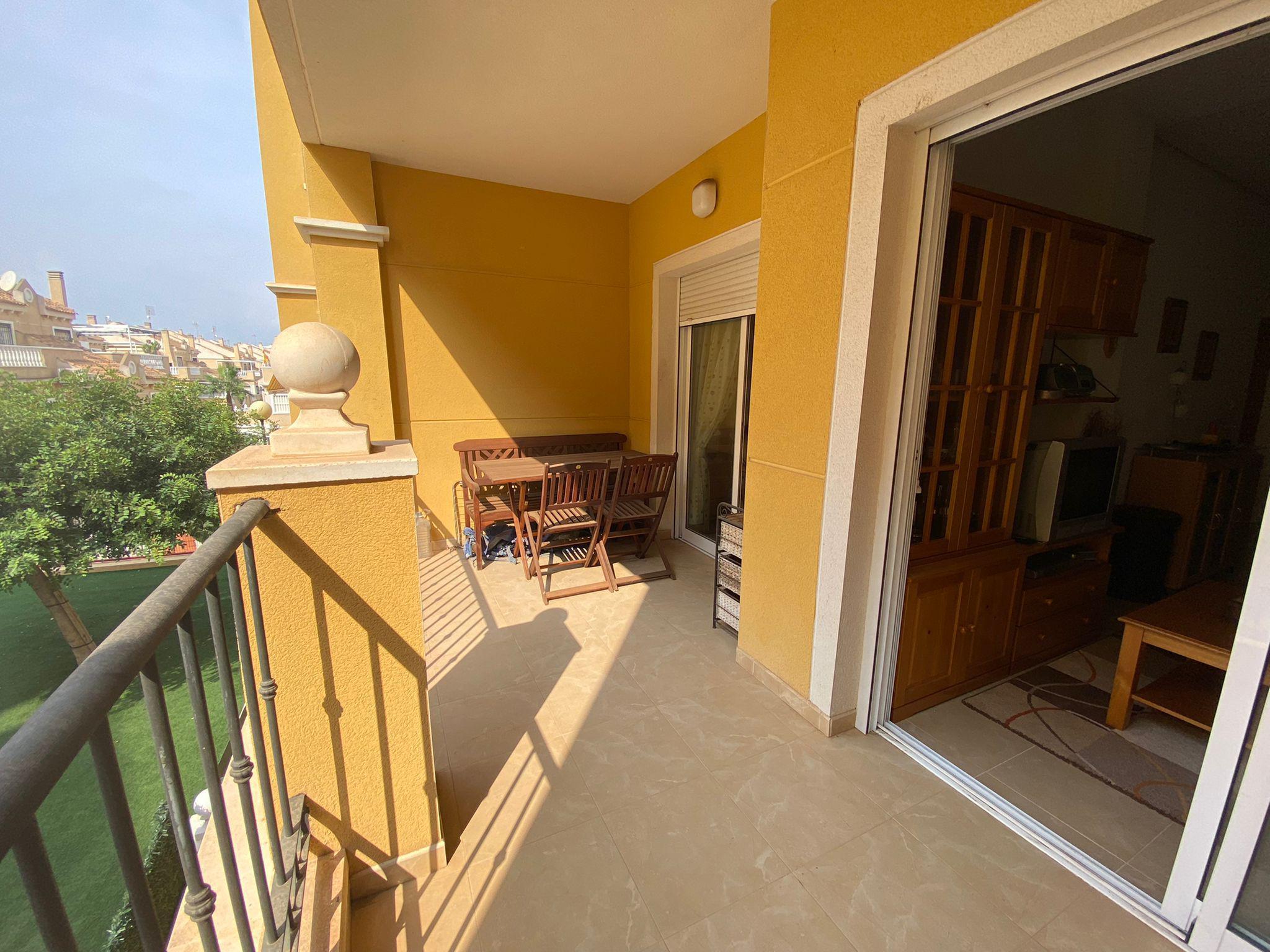 Imagen 3 Apartamento en venta en Torrevieja / La mata Urbanización Miramar