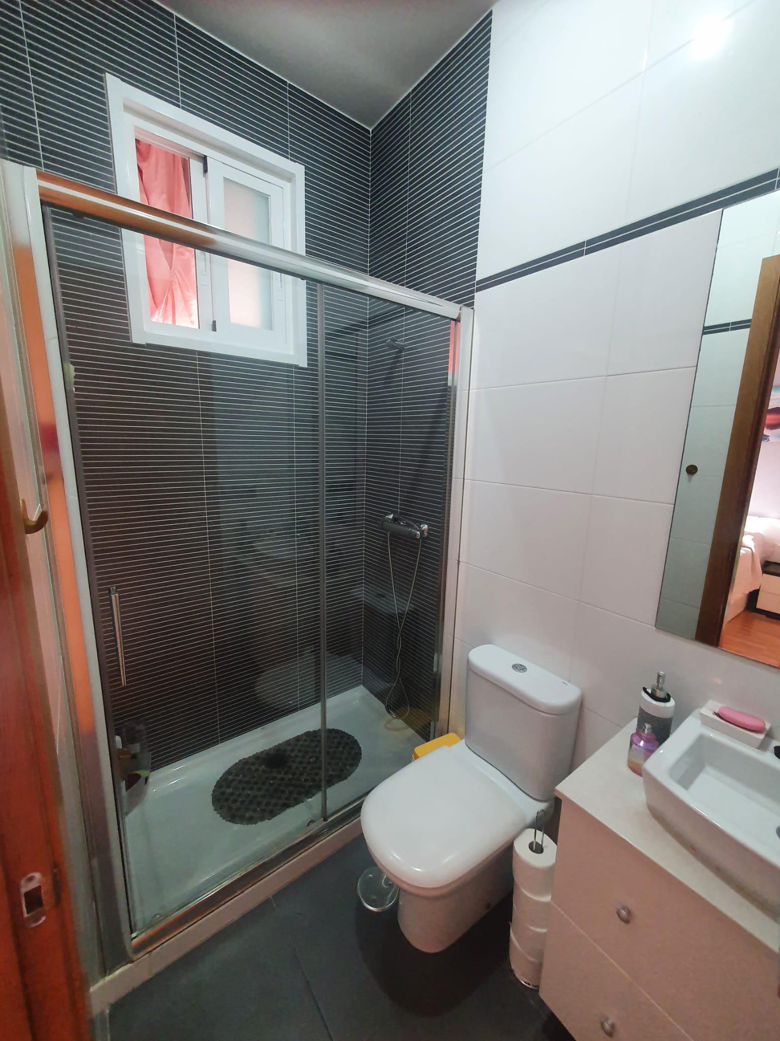Imagen 4 Apartamento en venta en Culleredo / Oportunidad bajo exterior luminoso con terraza