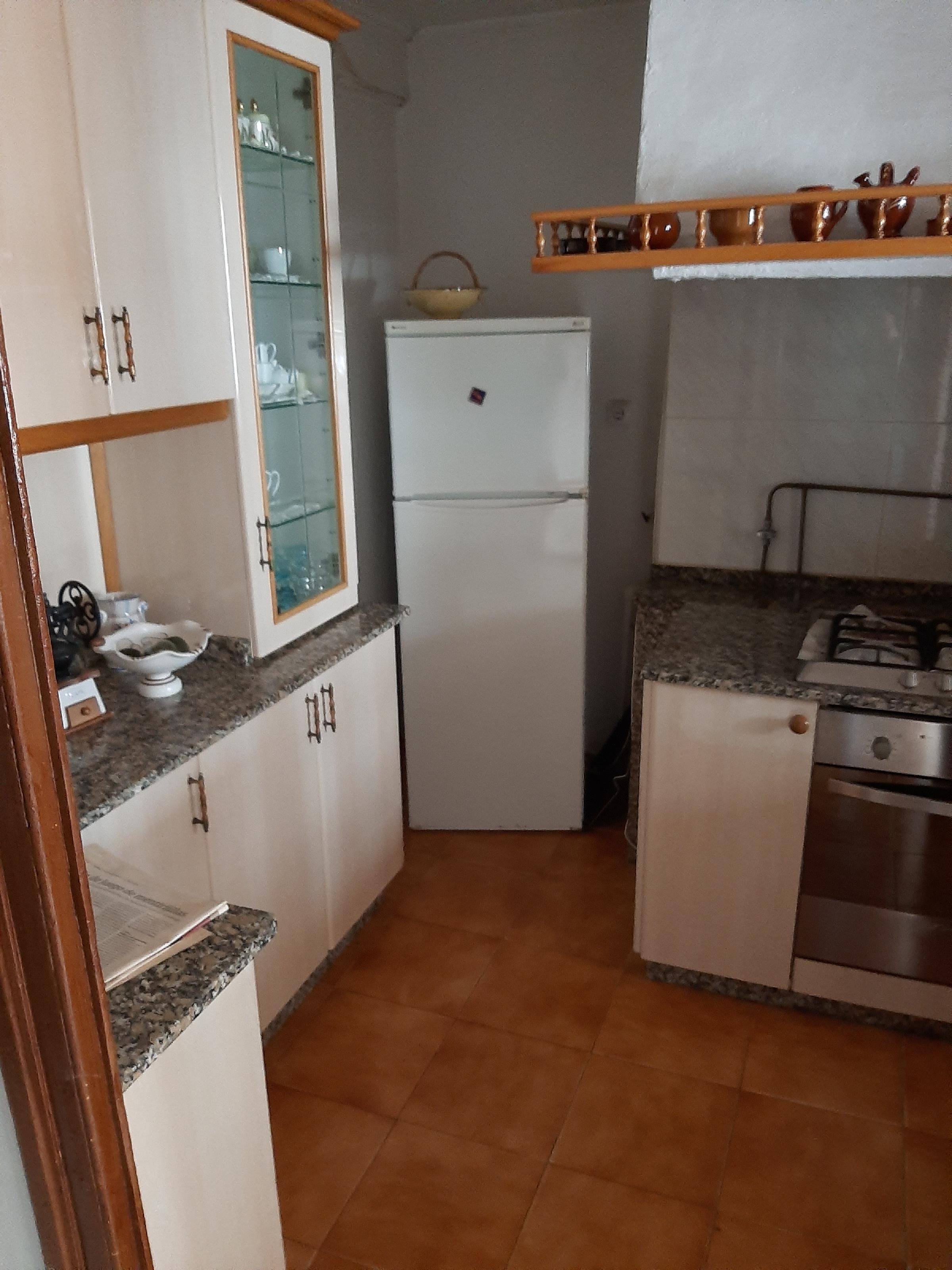 Imagen 2 Apartamento en venta en Mugardos / Se vende piso y buhardilla centro de Mugardos
