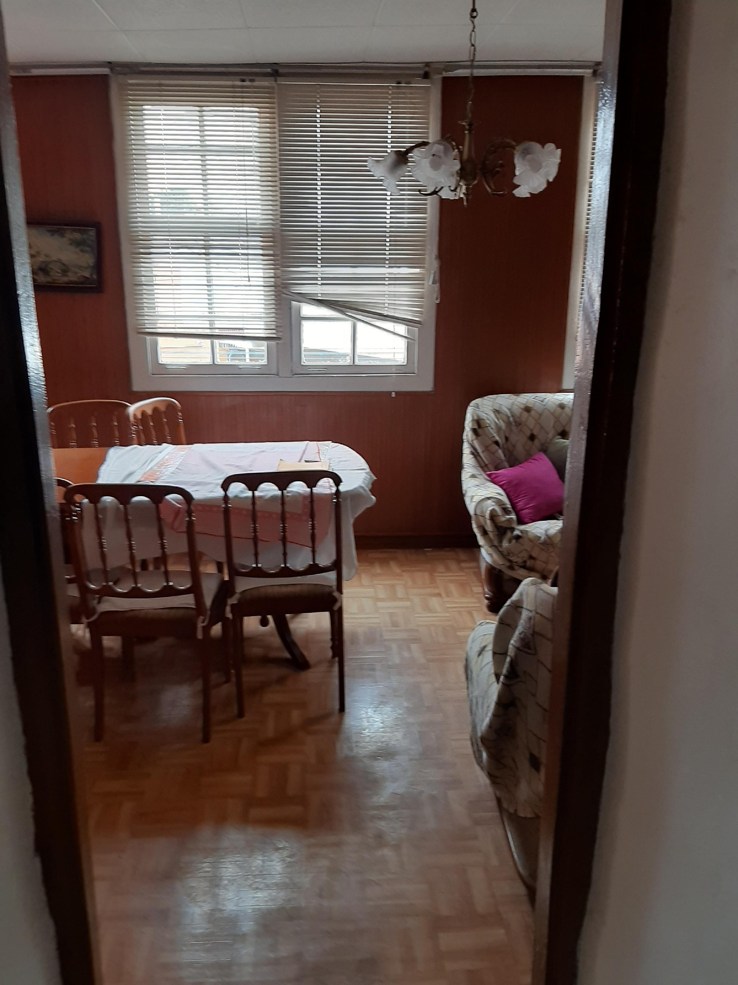 Imagen 3 Apartamento en venta en Mugardos / Se vende piso y buhardilla centro de Mugardos