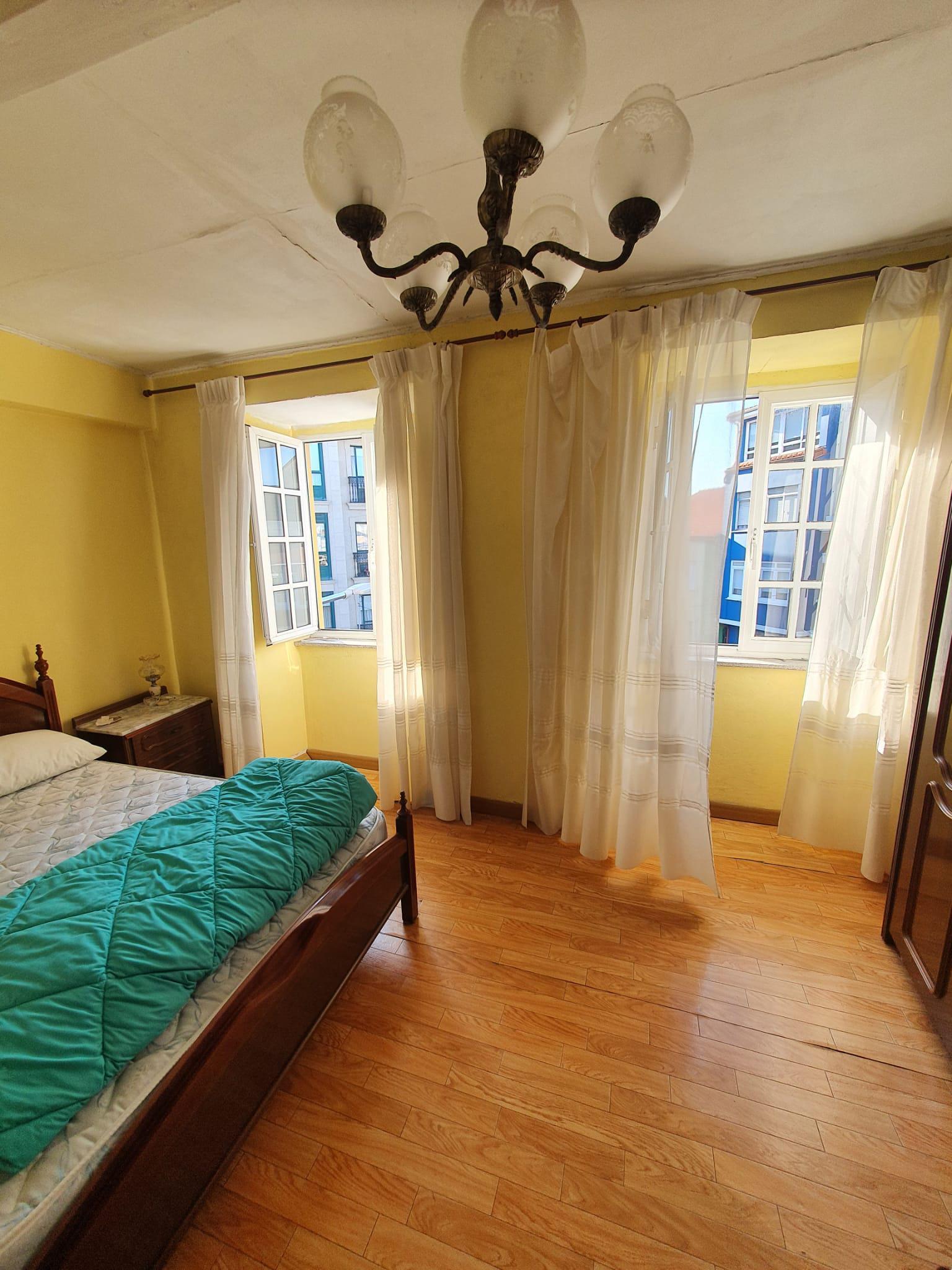 Imagen 4 Apartamento en venta en Mugardos / Se vende piso y buhardilla centro de Mugardos