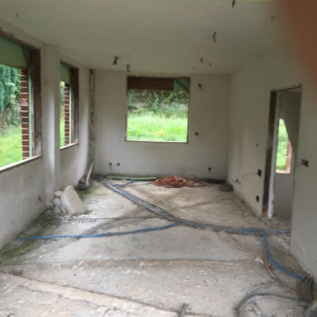 Imagen 3 Casa Aislada en venta en Abegondo / Oportunidad chalet para terminar en Abegondo