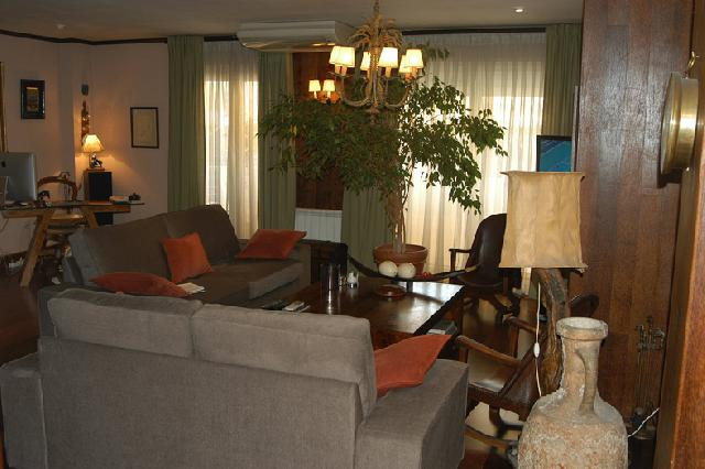 Imagen 1 Inmueble 252690 - Apartamento en venta en Madrid / Excepcional vivienda en Aravaca pueblo