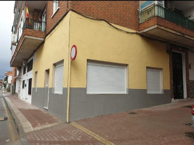 Imagen 1 Inmueble 252884 - Casa en venta en Villaviciosa De Odón / Local reformado para entrar a vivir en el casco urbano