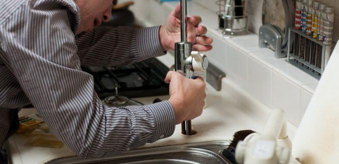 plumber-228010_960_720