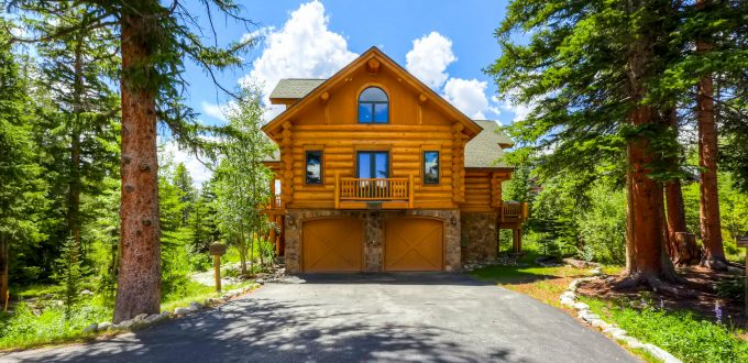 breckenridge-ski-in-ski-out-chalet-usa-clifton-lodge-exterior